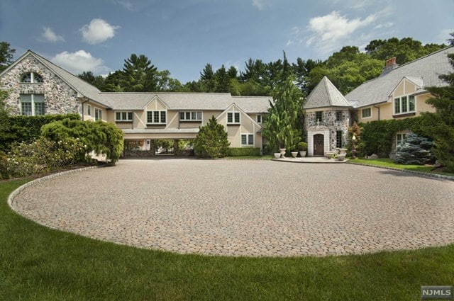 luxury real estate in Saddle River